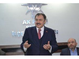 """Eski Bakan Eroğlu, """"Dünyada 45 milyon insana su temin ettik''"""