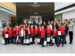Başkan Toru minik öğrencilerle buluştu