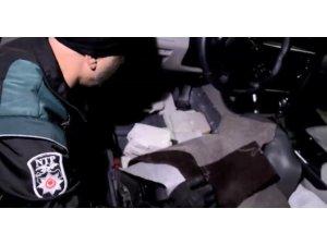 Kocaeli'de durdurulan İran plakalı araçta 52 kilogram eroin yakalandı