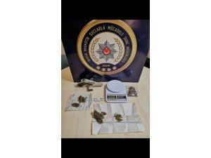 Narkotik polisi bağımlıları takip edip torbacıları yakaladı