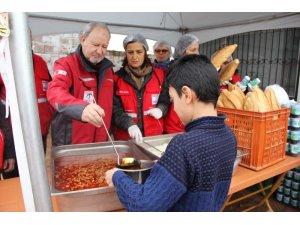 Manisa'da sel mağdurlarına 3 öğün sıcak yemek