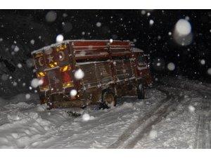 Manisa'da araçlar yollarda kaldı
