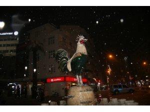 İranlı genç kar ile Denizli'de tanıştı