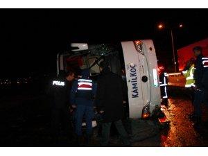 Yalova'da otobüs devrildi: 14 yaralı