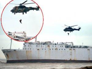 Mersin'de karaya oturan 'WARDEH' isimli kargo gemisindeki iki kişi kurtarıldı