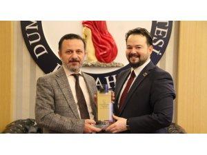 Ödüllü yazar Özcan'dan Rektör Gören'e ziyaret