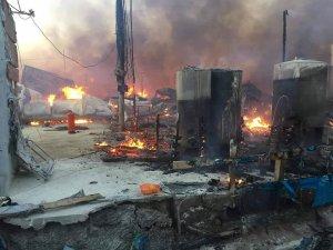 Irak'ta göçmen kampında yangın çıktı