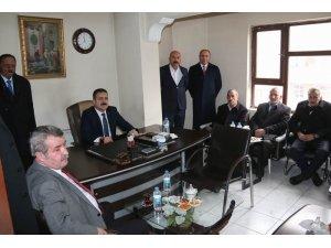 Vali Akbıyık'tan kanaat önderi Pirozbeyoğlu'na ziyaret