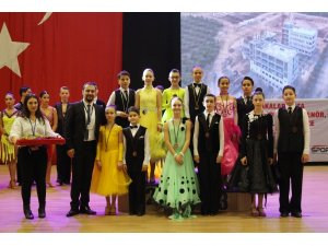 Nesibe Aydın Okullarında dans rüzgarı esti