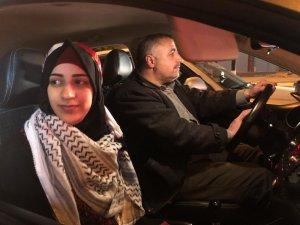 18 yaşındaki Filistinli kız, 3 yıl sonra özgürlüğüne kavuştu
