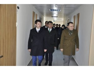 İncesu Kaymakamı Cebeci ile Gençlik ve Spor İl Müdürü Eskici, Pınarbaşı ilçesini ziyaret etti