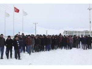 Seramik fabrikası işçileri eylem yaptı
