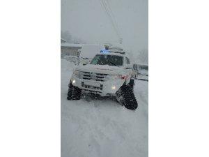 Yahyalı'da Hemodiyaliz hastalarının imdadına paletli ambulans yetişti