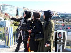 Tüm dünyada kutlanan 'Müzede Selfie Günü' etkinliğinde vatandaşlar bol bol selfie çekti