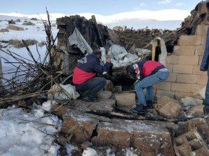Özalp'ta tandır evi çöktü: 2 yaralı