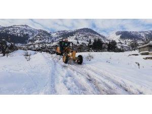 Kahramanmaraş'ta 205 mahalle yolu ulaşıma kapalı