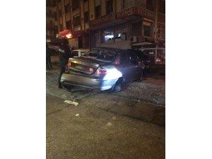 Başkent'te iki ayrı kazada 2 kişi yaralandı