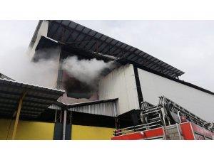 Trabzon'da çay fabrikasında yangın