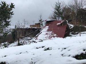 Trabzon'da fırtınada zarar gören 226 binada hasar tespit çalışmaları başladı