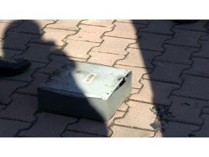 Banka aracının altındaki şüpheli kutu paniğe neden oldu