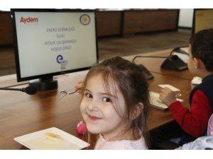 AYDEM'den çocuklar için enerji tasarrufu semineri