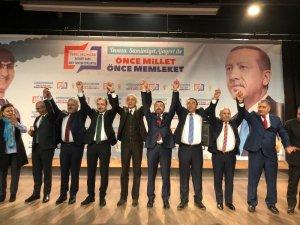 AK Parti belediye başkan adaylarıyla Karslıların karşısına çıktı