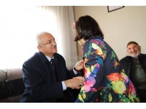 Başkan Başsoy  beldelerde aile ziyaretlerinde bulunuyor