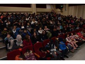 Erzincan Belediyesi Şehir Tiyatrosu'na büyük beğeni