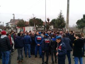 Husumetli olan iki mahallenin gençlerini Jandarma Komutanı barıştırdı