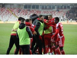 Spor Toto Süper Lig: D.G. Sivasspor: 1 - Trabzonspor: 1 (Maç sonucu)