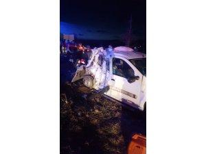 Denizli'de yolcu otobüsü otomobille çarpıştı: 3 yaralı