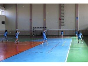 Badminton müsabakası yapıldı