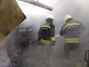 Bağ evinde çıkan yangın korkuttu