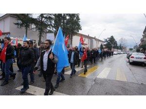 Akyazı'da 'Doğu Türkistan' için yürüyüş düzenlendi