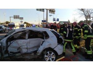 Kırmızı ışıkta geçen minibüs, polis memurunun ölümüne neden oldu