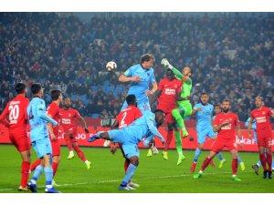 Ziraat Türkiye Kupası : Trabzonspor: 0 - Umraniyespor: 0  (İlk yarı)