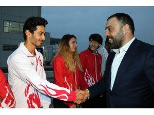 Bakan Yardımcısı Yerlikaya, milli sporcular ile bir araya geldi