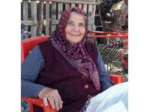 Merdivenden düşen yaşlı kadın hayatını kaybetti