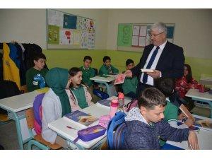 Yozgat'ta öğrenciler kitap okumaya teşvik ediliyor
