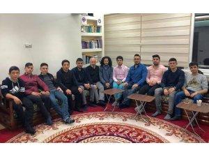 Çetin Ceviz'e Kayseri'de yoğun ilgi