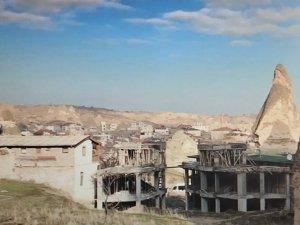 Peribacalarında otel inşaatı