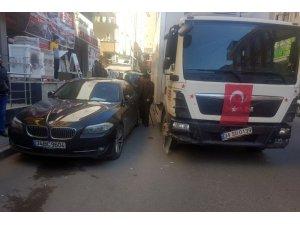 Maltepe'de freni boşalan kamyonun ortalığı savaş alanına döndürdüğü anlar kamerada
