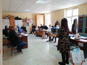 Sağlık çalışanlarına etkili iletişim eğitimi verildi