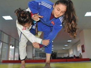 Trabzon'da açılan judo kurslarına ilgi sürekli artıyor