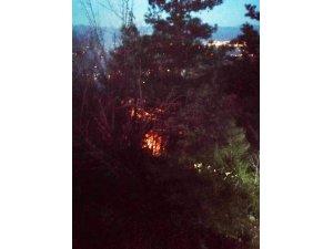 Çaldıkları kabloları eritirken yangın çıkarttılar