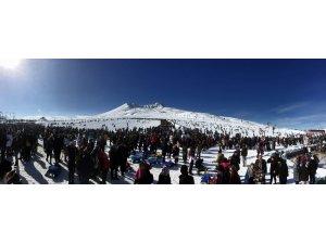 Erciyes'i sezon başından bu yana 62 ilin nüfusundan fazla kişi ziyaret etti