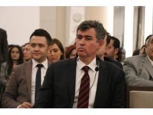 """Metin Feyzioğlu: """"Türkiye'ye diken yargıdan batırıldı"""""""