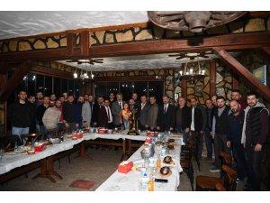 Başkan Üzülmez, şampiyon olan futbol takımlarını tebrik etti