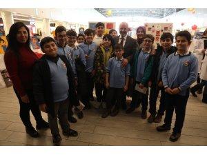 """Başkan Çolakbayrakdar, """"Eğitimlerle geleceğin Türkiye'sini inşa ediyoruz"""""""