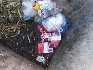 Bilecik'te muhtar adayların çokluğu çöplükleri broşür doldurdu